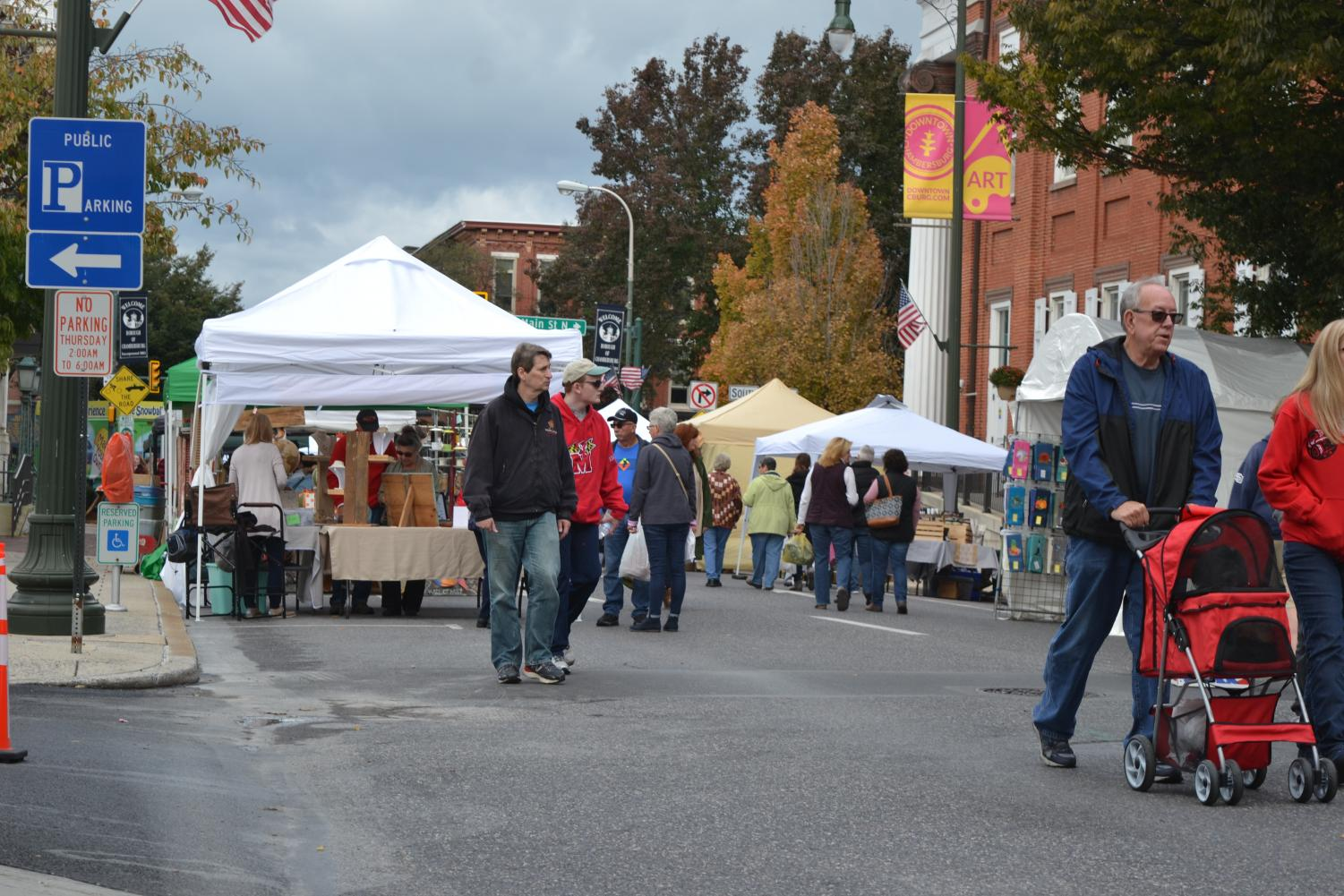 Vendors are set up along the square of Chambersburg for Applefest.
